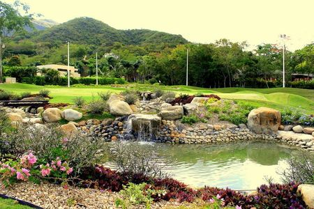 Payande Golf Club Cover Picture