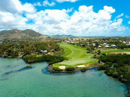Overview of golf course named Four Seasons Golf Club Mauritius at Anahita