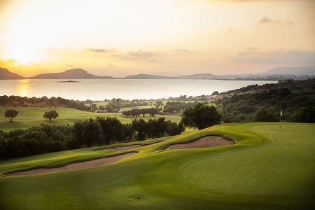 Overview of golf course named Costa Navarino - The Bay Course