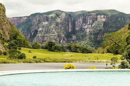 Laguna Volcan Golf Eco Resort Cover