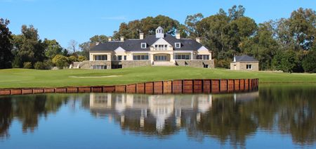 Canuelas Golf Club Cover Picture