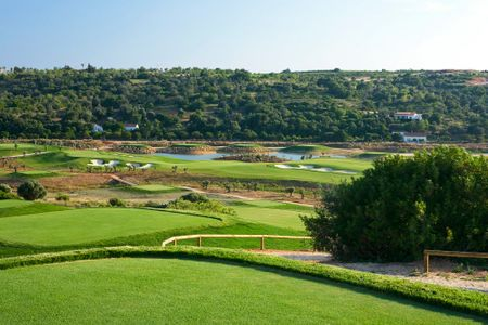 Overview of golf course named Amendoeira Faldo Course