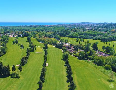 Golf de Biot Cover Picture