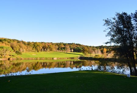 Montanya Golf Club Cover Picture