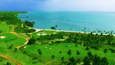Overview of golf course named Sea Cliff Resort and Spa