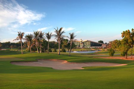 Abu Dhabi Golf Club - 18 Exceptional Holes with Perfectly Manicured Fairways Cover Picture
