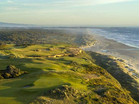 The Best Golf Resorts in America Cover Picture
