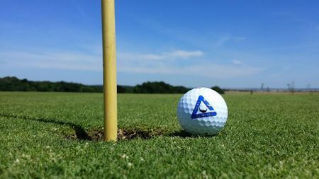Golf Bitozeves Cover