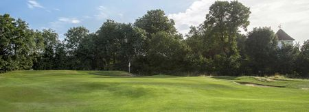 Ealing Golf Club Cover Picture