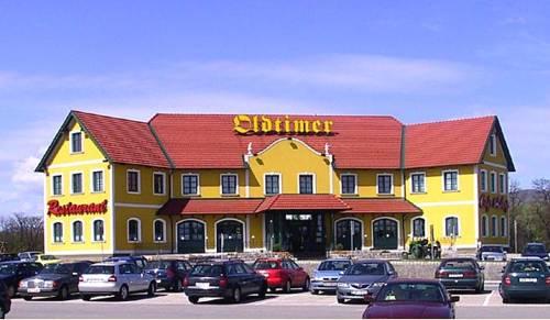Oldtimer Motorhotel Guntramsdorf Cover Picture