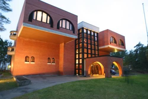Villa Andropoff Cover Picture