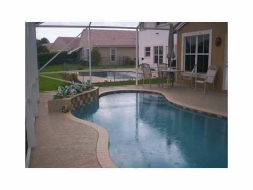 Executive Pool Home Cover Picture