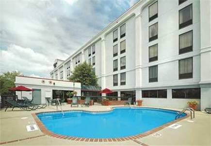 Hampton Inn I-40 Hanes Mall Cover Picture