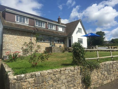 Three Horseshoes Inn Cover Picture