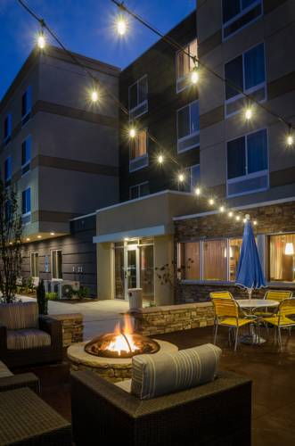 Fairfield Inn & Suites by Marriott Fayetteville North Cover Picture