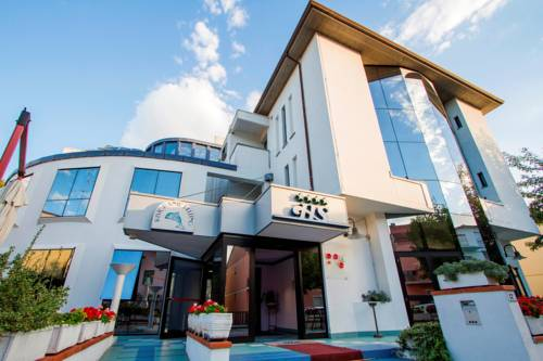 Hotel Sirena Cover Picture