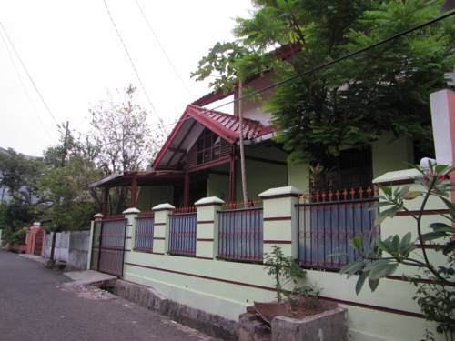 Green East Homestay Cover Picture