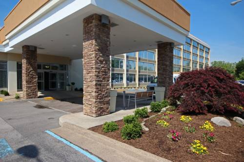 Holiday Inn Express Charleston-Civic Center Cover Picture