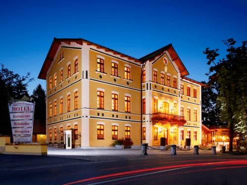 Hotel & Restaurant Waldschloss Cover Picture