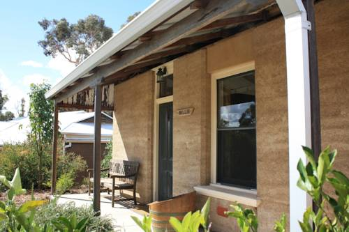 Hotham Ridge Winery and Cottages Cover Picture