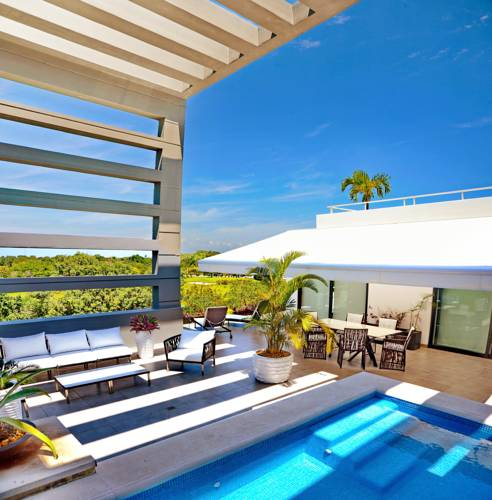 Elegant Penthouse with Private Pool Cover Picture