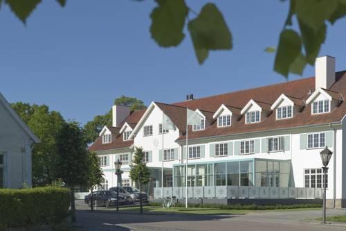 Hotel Fredensborg Store Kro Cover Picture