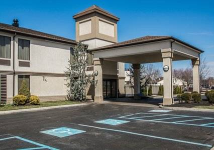 Quality Inn & Suites NJ State Capital Area Cover Picture