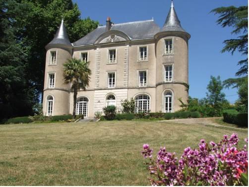 Château De Lavaud Cover Picture