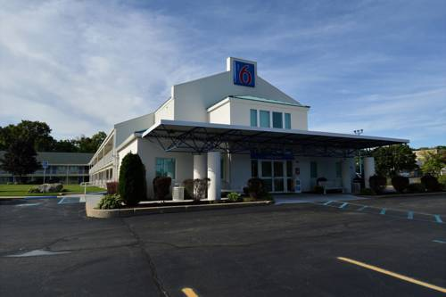 Motel 6 Tewksbury Cover Picture