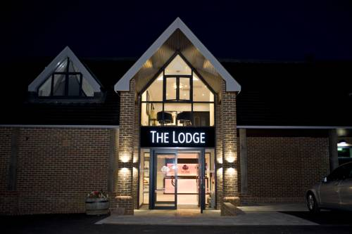 The Lodge @ Kingswood Cover Picture