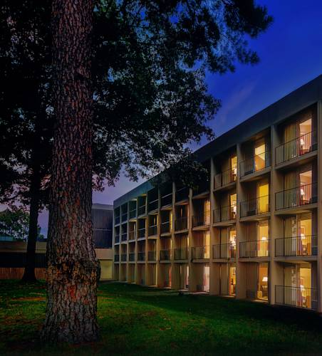 Whispering Woods Hotel & Conference Center Cover Picture