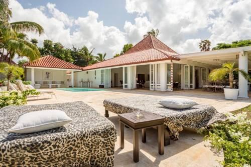 las cerezas 12 exclusive 3 bedroom villa Cover Picture