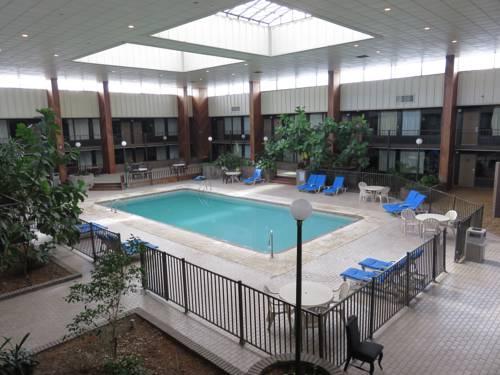 Diamondhead Inn & Suites Cover Picture