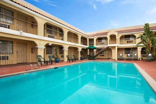 Econo Lodge Inn & Suites El Cajon San Diego East Cover Picture