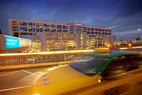 PARKROYAL Melbourne Airport Cover Picture