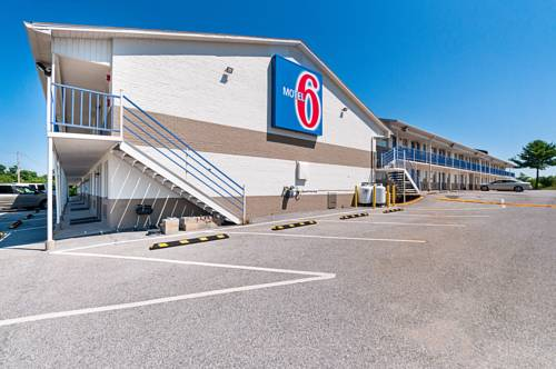 Motel 6 Charles Town Cover Picture