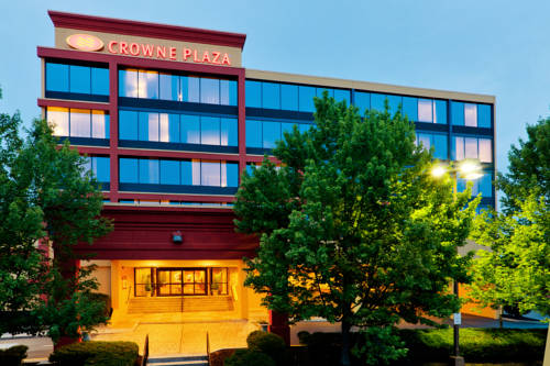Crowne Plaza Hotels & Resorts Reading Cover Picture