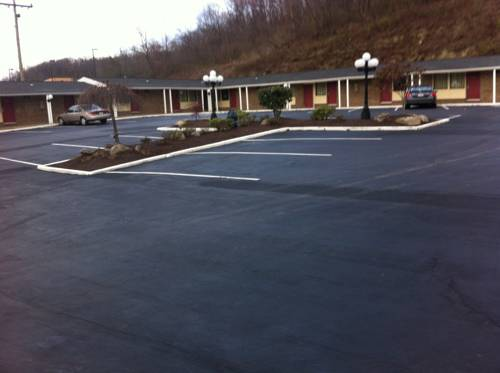South Hills Motel Cover Picture
