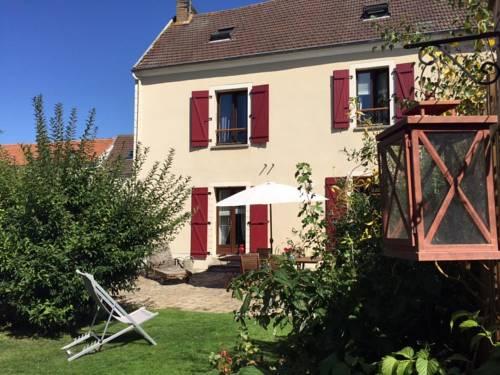 Gite Les Volets Rouges Cover Picture