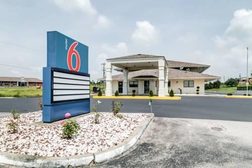 Motel 6 Berea Cover Picture