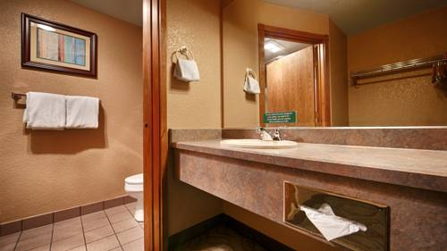 Best Western PLUS Bayshore Inn Cover Picture