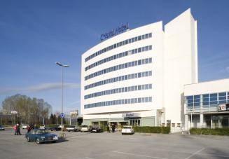 Cristal Hotel Cover Picture