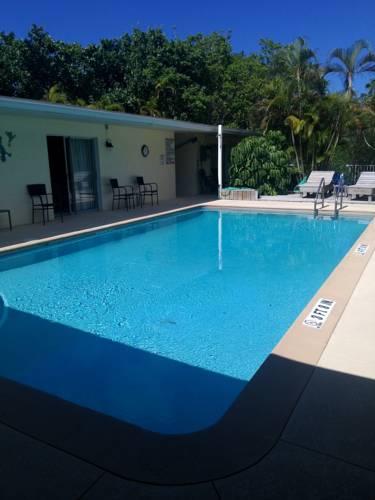 Sunshine Island Inn Cover Picture