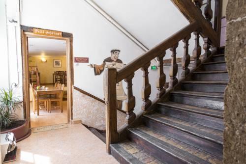 Hôtel Central Cover Picture