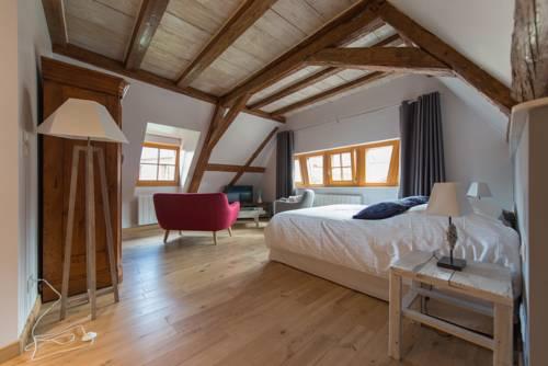 La Maison d'Emilie Cover Picture