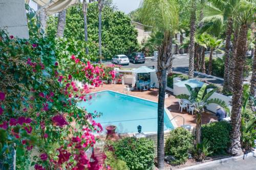 Hotel Pepper Tree Cover Picture