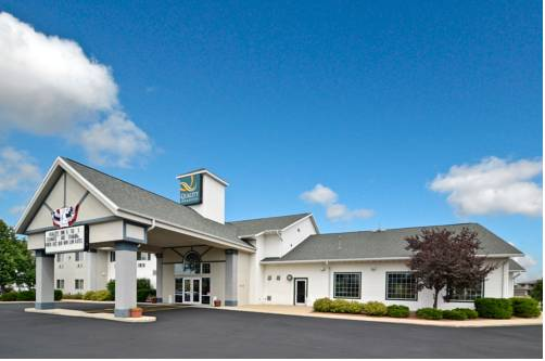 Quality Inn & Suites Stoughton Cover Picture