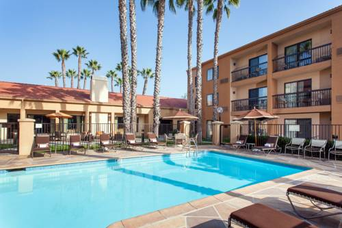 Courtyard Huntington Beach Fountain Valley Cover Picture