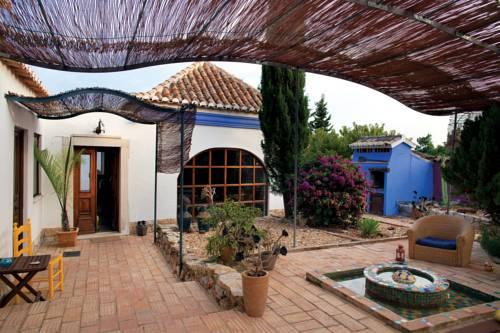 Casa Camaleon Cover Picture