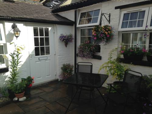 Courtyard Cottage Cover Picture